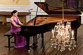 Nocturne, Olga Scheps (piano), A candle-lit concert with a glass of wine, 4.7.2014, Chamber Music Festival Český Krumlov, photo by: Lubor Mrázek