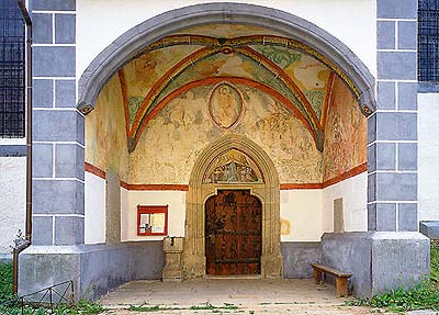 Kájov, Church of Pilgrimage, entrance portal with frescos, foto: Libor Sváček