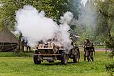 Show of WWII military equipment and battle demonstration in Český Krumlov, 9.5.2015, Foto: Lubor Mrázek