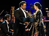 Angela Gheorghiu /soprano/ and Ramón Vargas /tenor/, PKF – Prague Philharmonia, Leoš Svárovský /conductor/, 14.7.2017, 26th International Music Festival Český Krumlov 2017, source: Auviex s.r.o., photo by: Libor Sváček