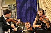 Julian Rachlin /violin, conductor/ and Sarah McElravy /viola/, South Czech Philharmonic, 28.7.2017, 26th International Music Festival Český Krumlov 2017, source: Auviex s.r.o., photo by: Libor Sváček