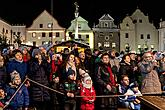Joint Singing by the Christmas Tree, 3rd Advent Sunday in Český Krumlov 15.12.2019, photo by: Lubor Mrázek