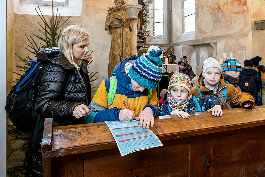 4th Advent Saturday at the Monasteries and Handing out of the Light of Bethlehem in Český Krumlov 21.12.2019
