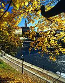 Autumn promenade along the Vltava in Český Krumlov, source: Destination Management of the town of Český Krumlov, photo by: Aleš Motejl