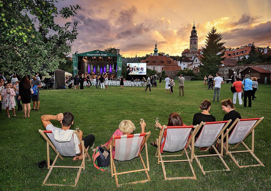 Festivalová zóna v Pivovarské zahradě