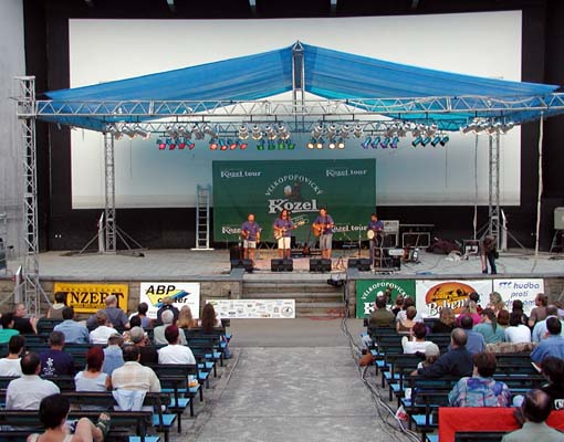 Hura do Krumlova, archiv festivalu 2002, © ABP Center 3a
