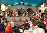 Children´s folklore choruses show, photo by Aleš Motejl