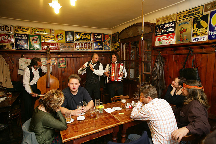 Eveningplaying in the Krumlov pubs