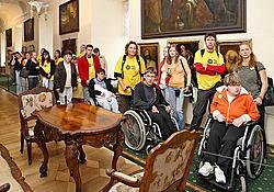Den s handicapem, den bez bariér Český Krumlov 2011, prohlídka zámku Foto: Lubor Mrázek