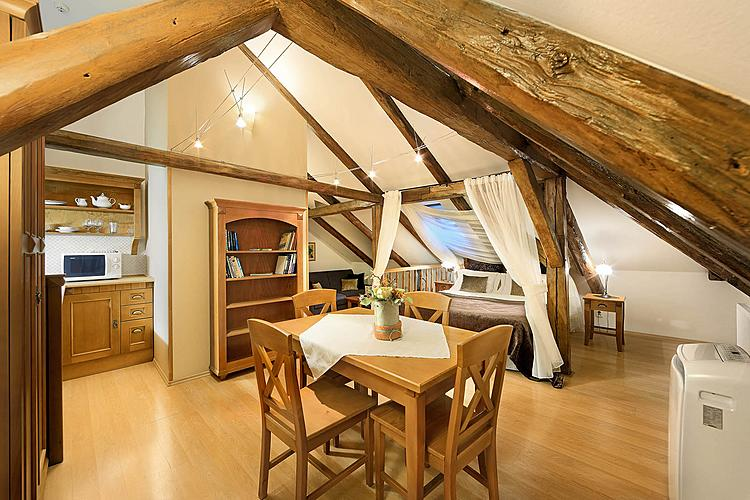 2.Attic Apartment